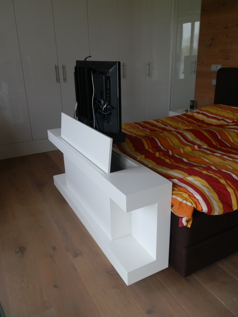 Tv Meubel Voor Slaapkamer: Tv kast met lift max. 46 inch (117cm ...